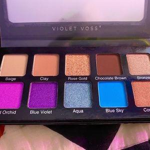 VIOLET VOSS essentials eyeshadow palette 2